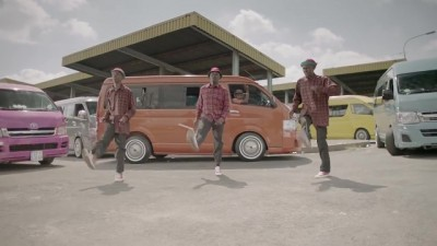 5FM Without 5 TVC screengrab taxi dancing