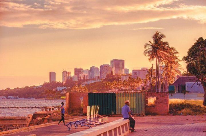 Avenida da Marginal, Maputo, Mozambique by Rohan Reddy