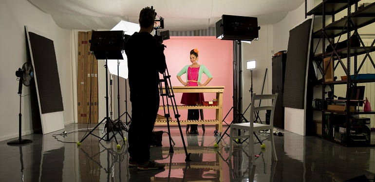 Sketchbook Studios filming Suzelle DIY