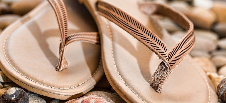 beach-thongs-flip-flops-footwear courtesy of Pixabay