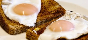 fried-eggs-breakfast-toast-food courtesy of Pixabay