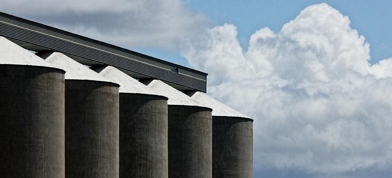 grain-silo-corn-storage-grain-silo courtesy of Pixabay