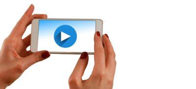 hands smartphone play start video courtesy of Pixabay.com