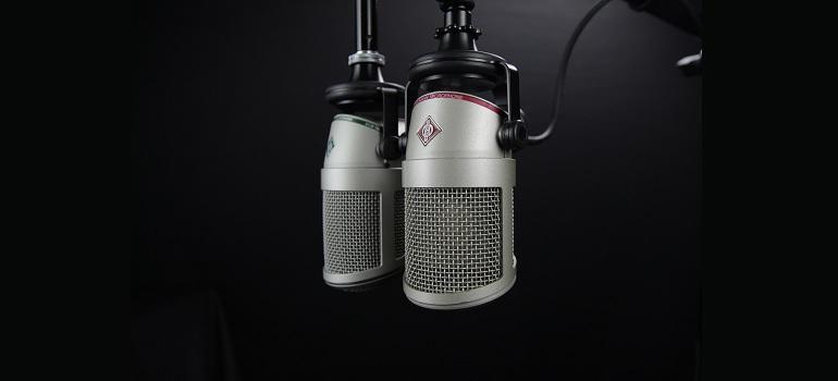 microphone-radio-broadcast-dj courtesy of Pixabay