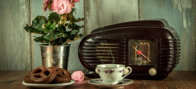 vintage radio by LubosHouska courtesy of Pixabay 770