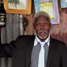 Soweto Gold '76: hero with signed bottle
