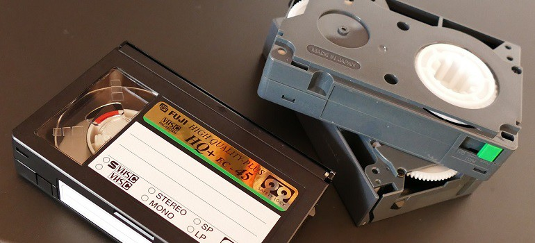 VHS video tape by InspiredImages courtesy of Pixabay 770