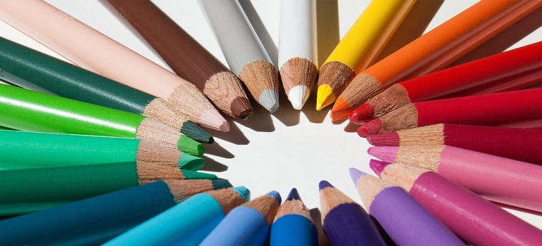 colored-pencils-colour-pencils-star courtesy of Pixabay