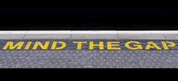 railway-platform-mind-gap courtesy of Pixabay