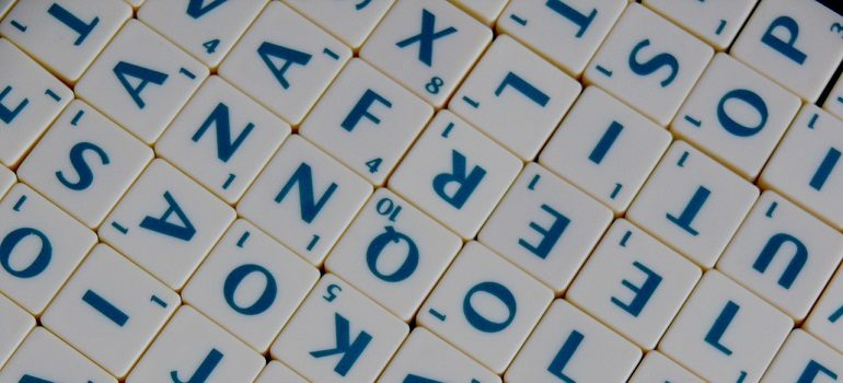 scrabble-word-letter-letters-help by PublicDomainNames courtesy of Pixabay
